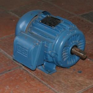 Motor Trifásico WEG 2.0cv, 1750rpm, 220/380/440V